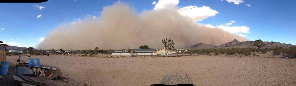 A haboob advancing on Dolan Springs, AZ.