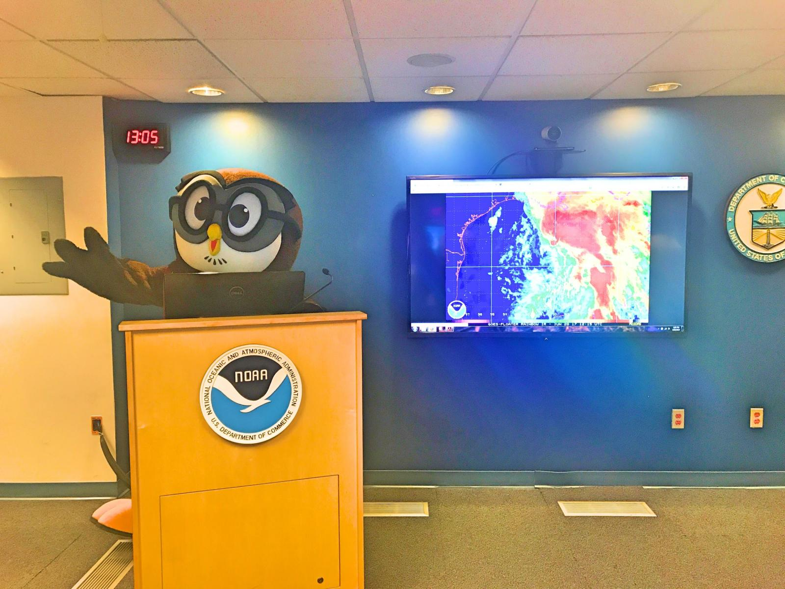 Presenting the daily weather briefing in the NWS National Operations Center