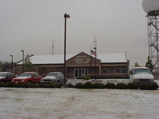 Ice accumulations at the NWS office in Shreveport