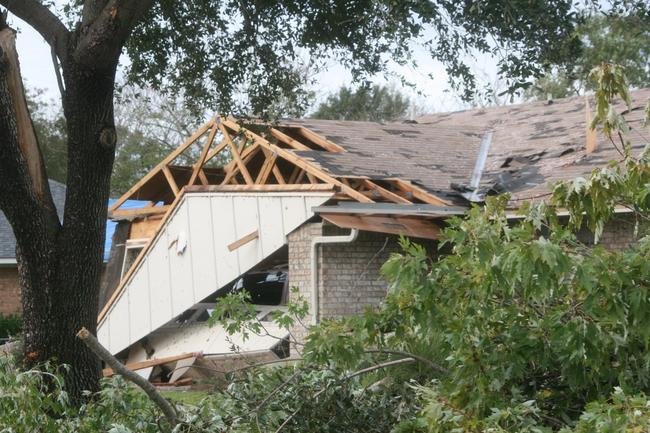 EF2 damage to homes in North Bossier City