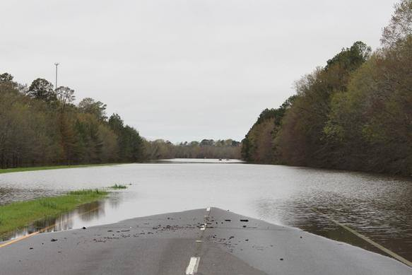 Flooding on Highway 165 between Bastrop and Sterlington.