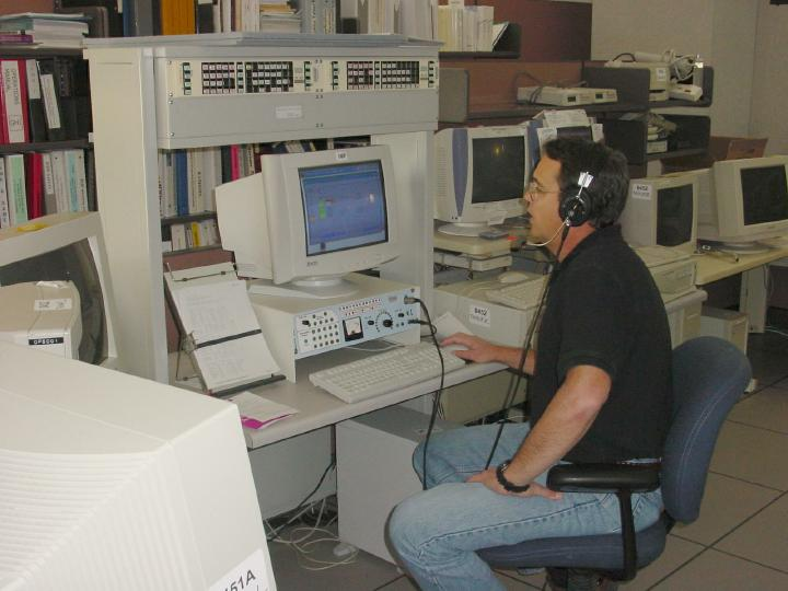 A photo of HMT Jim Bolden using CRS.