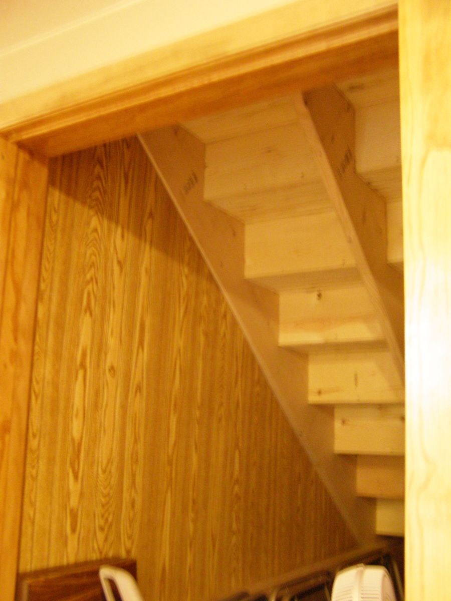 Basement Stairwell as a tornado shelter